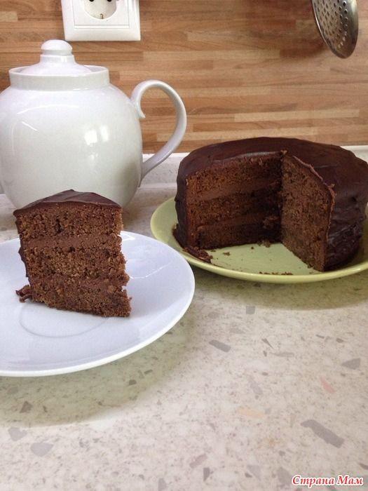 Захотелось мне шоколадного тортика, как раз был повод - день рождения родственницы))) Делюсь с Вами своим опытом по приготовлению тортика по рецепту от Александра Селезнева.  Бисквит: