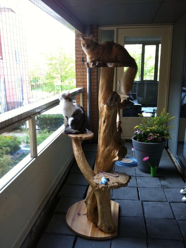 Cat Tree. DIY. Homemade for Cats.