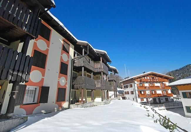 Looking for a late ski deal in Trentino? Last minute comfortable holiday apartment for 6 persons in Madonna di Campiglio, Italy. Book it from 07/02/2015 to 14/02/2015 for only 586 euro. More info: http://www.dreamhomeshop.com/rent/accommodation_details/italy/trentino%20alto%20adige/madonna%20di%20campiglio/71672