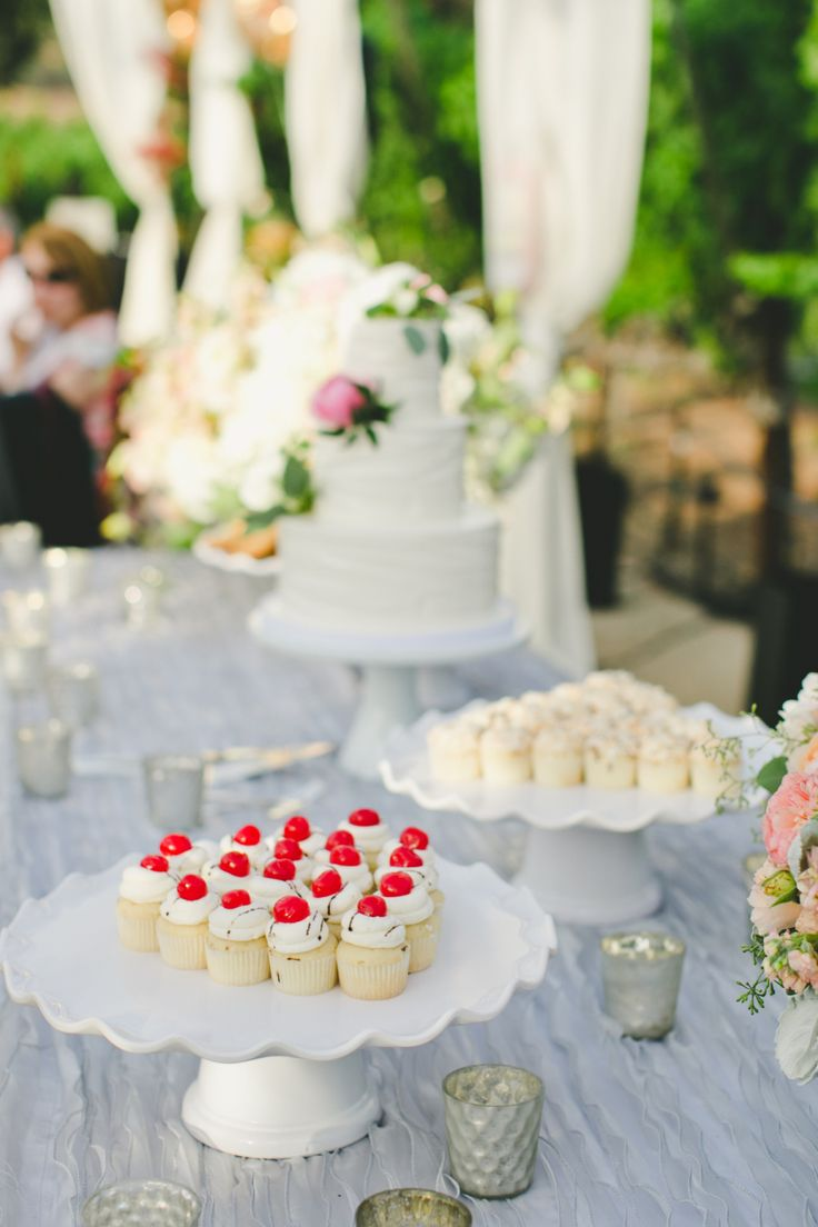 32 best Centerpieces and Bouquets images on Pinterest | Dessert ...