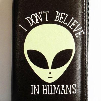 Alien - i don't believe in humans clutch