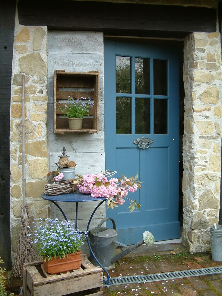 Stone cottage, blue door.