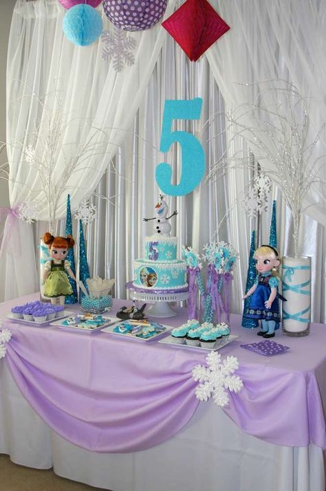Purple Tablecloth Frozen Birthday Party Ideas