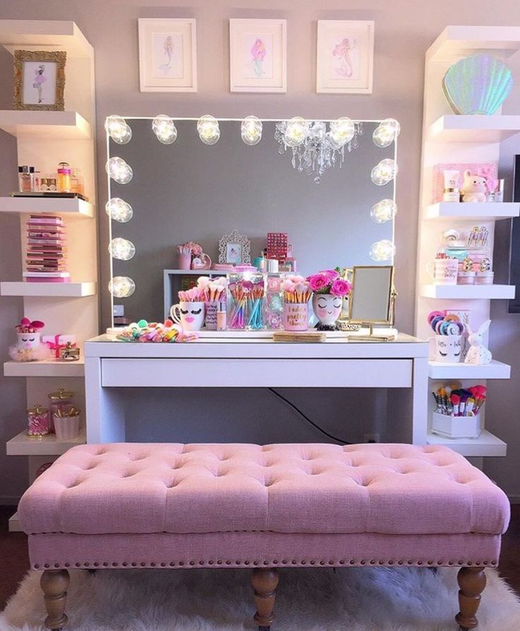 Makeup Room Ideas #Makeup room DIY (Makeup room decor) Makeup Storage Ideas For Small Space - Tags: makeup room ideas, makeup room decor, makeup room furniture, makeup room design