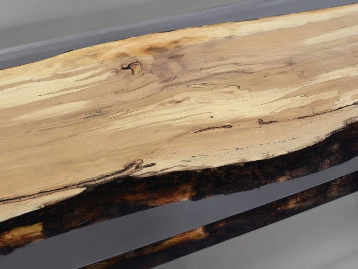 Fungi Table_limited edition, texture of the wood grain www.alcarol.com