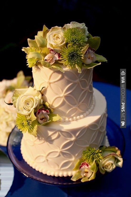 Elegant ivory and celadon wedding cake | CHECK OUT MORE IDEAS AT WEDDINGPINS.NET | #weddingcakes
