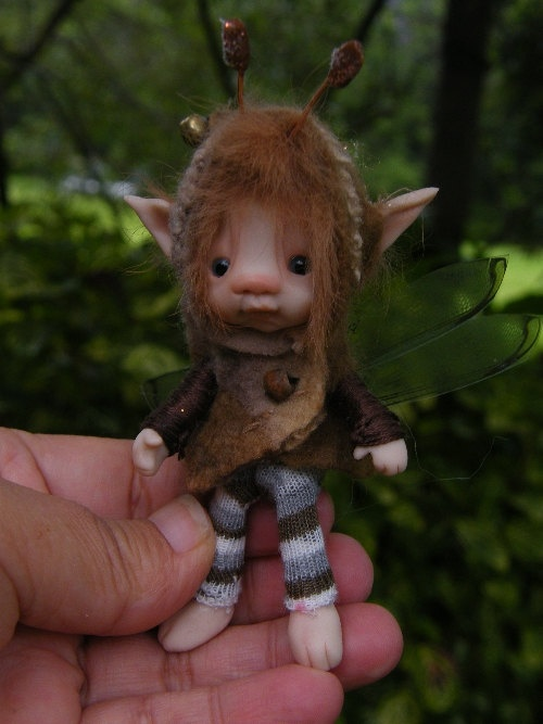 A sweet wee fairie boy by throughthemagicdoor.
