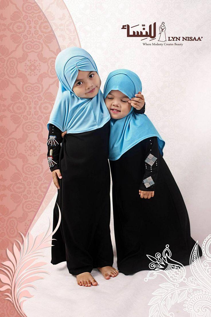 Pequeñas musulmanas.  So beautiful . . . precious!