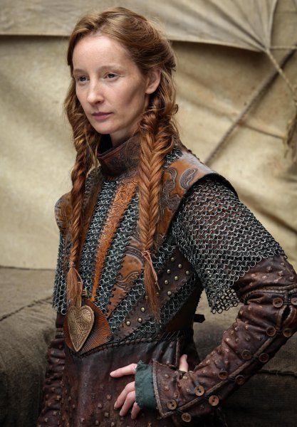 Warrior Woman Hairstyle: Do two Fishtail Braids and tie them with a Leather Strip... so badass!!!
