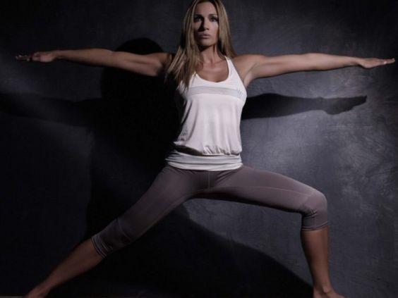 Η Ελένη Πετρουλάκη έχει τα μυστικά για ένα τέλειο σώμα.  Εκτός από εντατική γυμναστική, προτείνει μια εύκολη δίαιτα για γρήγορη απώλεια βάρους. Η γυμνάστρια προσέχει την διατροφή της και ακολουθεί ένα ισορροπημένο πρόγραμμα.  Η δίαιτα που προτείνει