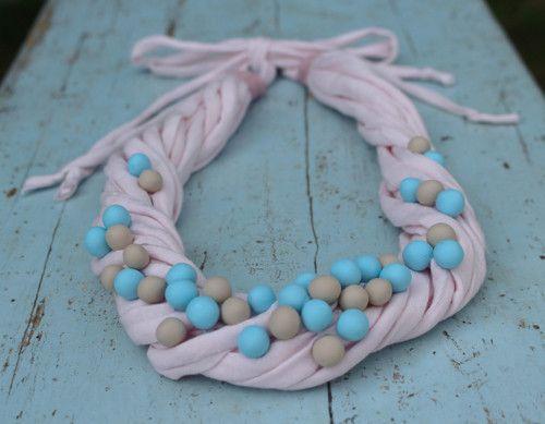 Šňůrkový náhrdelník- pastelový