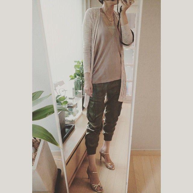 # #오늘 의 #아웃핏 #outfit for #today . . . . #ootd #daily #dailylook #슈스타그램 #옷스타그램 #팔로우 #follow #me #fashion #style #패션 #스타일 #줌마그램 #줌스타그램 #줌마스타그램 #instadaily #미러샷 #거울샷 #셀스타그램 #selfie #전신샷 #자라 #korea #zara