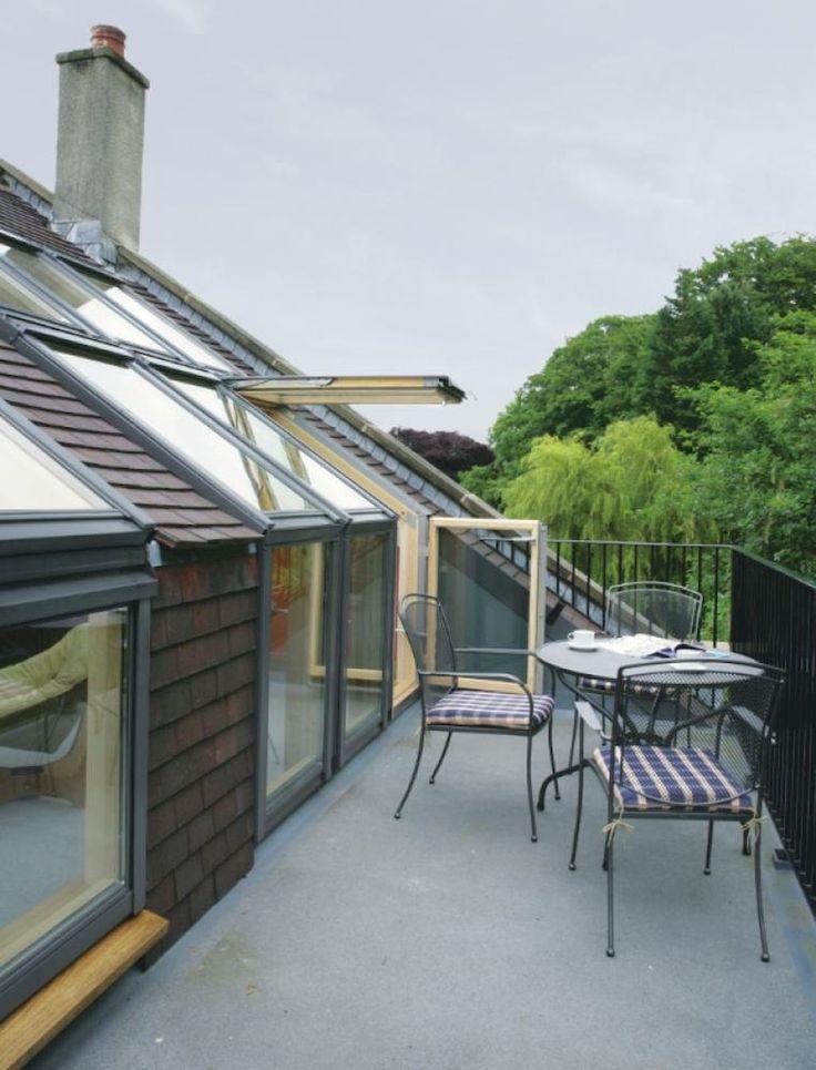 Adorable 46 Smart and Creative Idea for Attic Terrace Designs https://decorapatio.com/2017/05/30/46-smart-creative-idea-attic-terrace-designs/