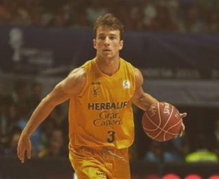 @kpangos leads @grancanariacb over Zaragoza  #Kevin #Pangos #KevinPangos #Herbalife #grancanaria #herbalifegrancanaria #Acb #liga #ligaendesa #zaragoza #spain #españa#instadaily#instacool#photooftheday#amazing#like4like#followme#basket#baloncesto#basketball#basketball_baloncesto