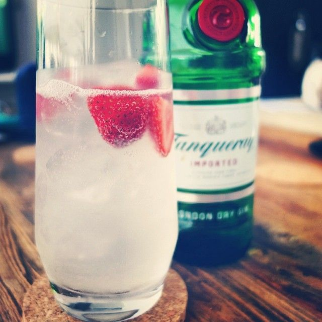 100 likes on Facebook! We cheers to that! A twist on a Tom Collins, made with Tanqueray Gin and fresh strawberries! Fresh & crisp! #ThreeMartiniLunch #TML #CustomCreativeCatering #100Likes #cheers #cocktail