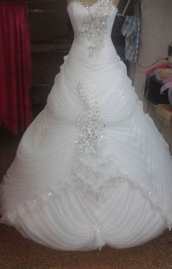 Pin By مقش On فستان الاميرة Ball Gowns Wedding Red Wedding Lehenga Wedding Dresses