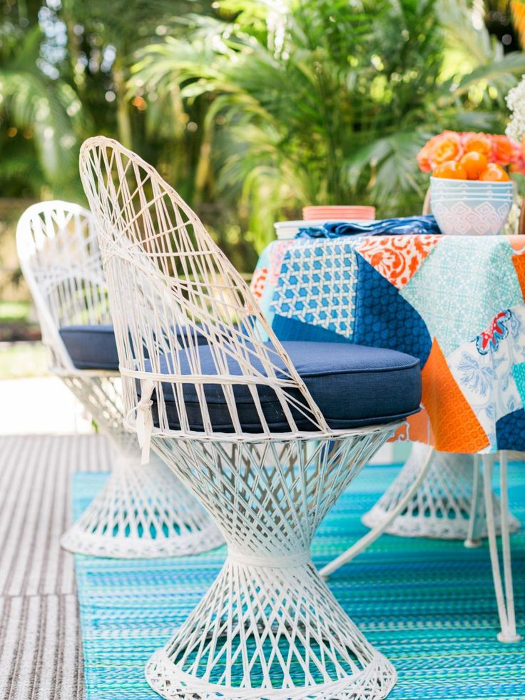 15 Ways to Add Palm Beach Style to an Outdoor Room | HGTV >> http://www.hgtv.com/design/outdoor-design/outdoor-spaces/ways-to-add-palm-beach-style-to-an-outdoor-room-pictures?soc=pinterest