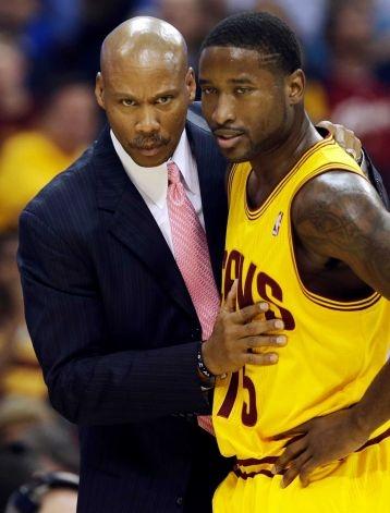 Cleveland Cavaliers head coach Byron Scott & Donald Sloan