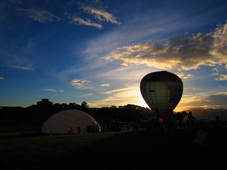 Sunrise behind the balloons