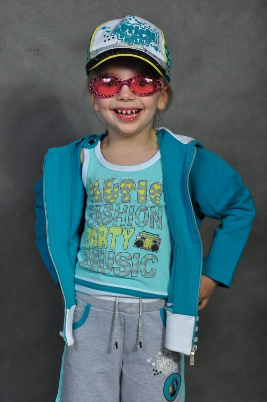 """To zdjęcie bierze udział w konkursie Modne Dziecko"""" http:// allegro.pl/dzial/dziecko kolor i print    :)"""