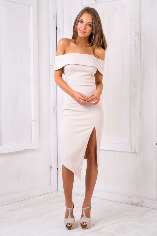 This dress is simply WOOOOWWW! Featuring a body hugging fit, off the shoulder design and sexy split detail in the front of the dress. Style it with heels and a simply nude clutch. Size 8, Length:87cm/34inches Width: 32cm/12inchesPolyester Cold Hand Wash Only Model wears a size 6 Model's height 168cm  Prints may vary Imported A slight variation may occur in colours and size specifications. Colours may appear slightly different via website due to computer picture resolution and...