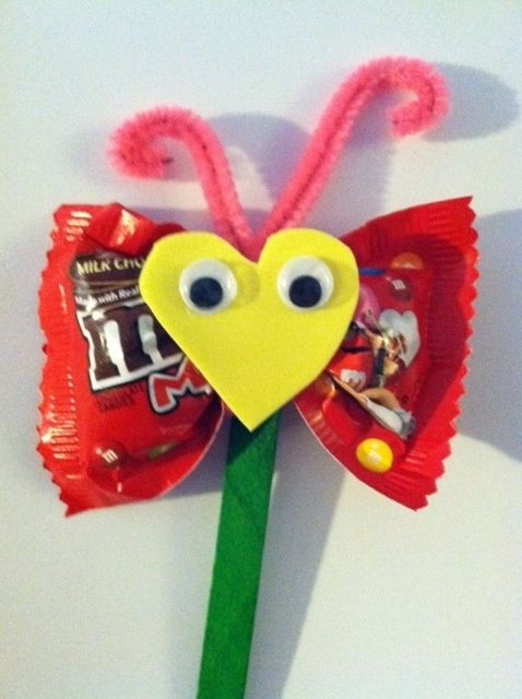 Valentines Day Candy Butterflies that Scarlett and I made for her First Grade class today! Very precious :)