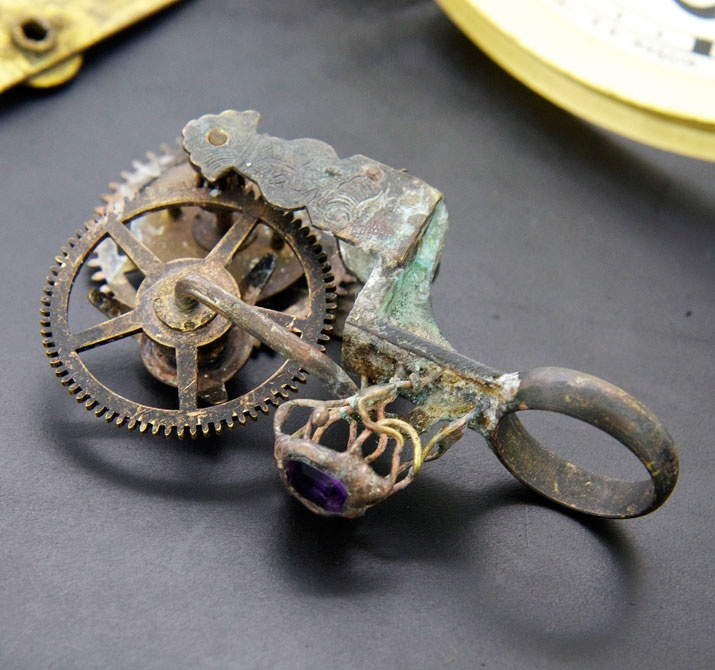 Steampunk ring gear  Gothic art  http://heavenscafe.net/?mode=grp=176750