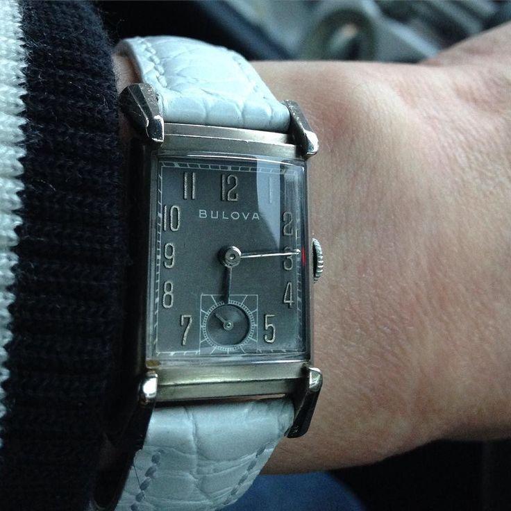さてさて今日から4月 いつものように金曜日は佐賀までお仕事 発表会まであと10日 ドライブ気分で音楽を聴きながら1時間半の道のり 今日もゆっくり安全運転で行きますかね  #dj_kitag #photo #watch #bulova #usa #1940s  #antique #vintage #classic #collection #jewelry #accessory #fashion #時計 #腕時計 #ジュエリー #アクセサリー #ファッション #アンティーク #ビンテージ #コレクション #加藤時計店 by kitag0308