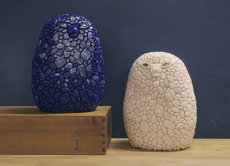 Cosmos (Winter Night) and Frost (Winter Day), Ville Heimala, 2017. Ceramic sculptures covered with ceramic reliefs, height 35 cm.
