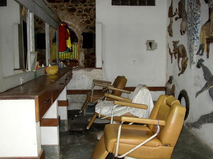 Un salone di barbiere a Salvador de Bahia, Brasile. Foto Ago Press/Luigi D'Alise