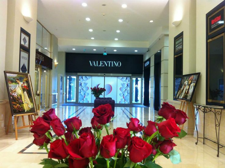 Valentino store rising through hearts and roses