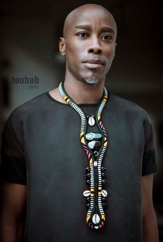 Une petite touche d'humour mais très jolie barbe ;) | Hair Color | Pinterest | African textiles, Africans and Designers