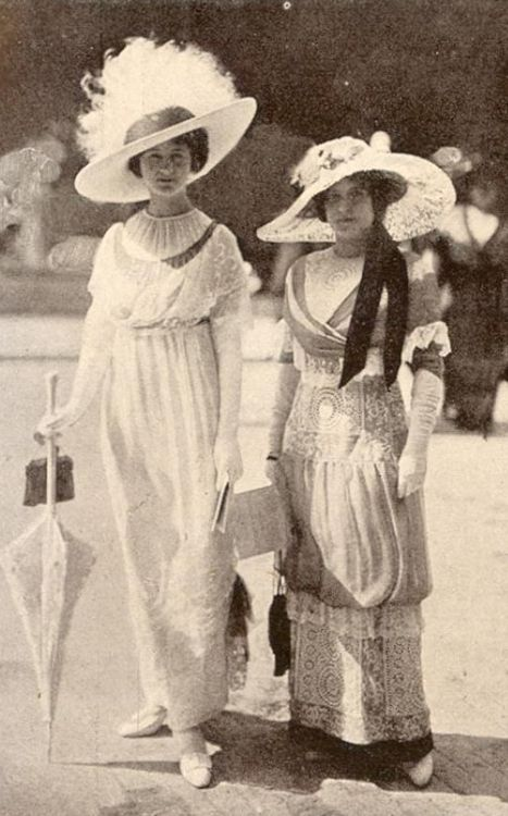 Edwardian summer dresses