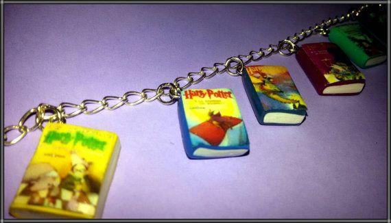Guarda questo articolo nel mio negozio Etsy https://www.etsy.com/it/listing/215659902/braccialetto-harry-potter-saga-con