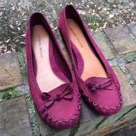 FREE GIFT Antonio Melani Maroon Flats Excellent condition! Almost like new. Only worn once. Little bit of wear that it and noticeable. Sole is like new. Beautiful maroon color thats TRENDING! Genuine leather. amazing quality shies by Antonio Melani purchased at Dillard's.****FREE GIFT WITH THIS PURCHASE‼️ ANTONIO MELANI Shoes Flats & Loafers