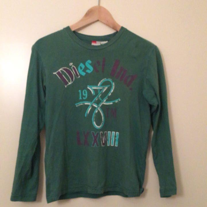 ディーゼルのTシャツ  Lサイズ表記ですが、日本人女性のS〜Mサイズです。  古着   送料無料