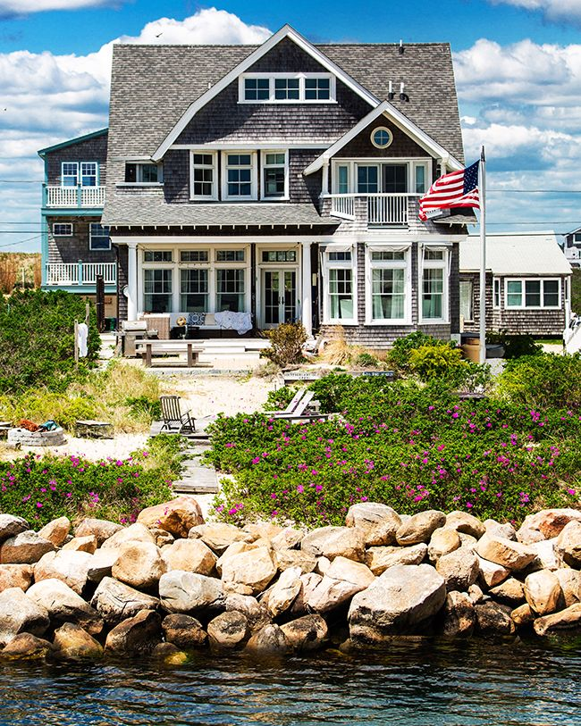 25 best ideas about dream beach houses on pinterest for Rhode island home builders