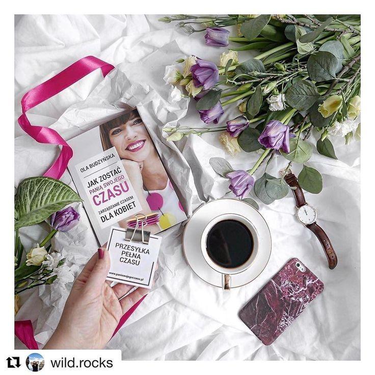 Lektura na weekend majowy wybrana? Pogoda nie będzie rozpieszczać więc warto się zaopatrzyć w książkę (najlepiej moją ) kocyk i coś ciepłego do picia. @wild.rocks już chyba po lekturze co?  #psc #paniswojegoczasu #ksiazki #ksiazka #książka #książki #ksiazkapsc #ksiazkapaniswojegoczasu #czytam #czytamy #czytambolubie #czytambolubię #goodmorningworld #goodmorninginsta #goodmorning #book #books #booklove #bookporn #bookshelf #coffeetime #coffeelover #coffeeaddict #dziendobry #dzieńdobry