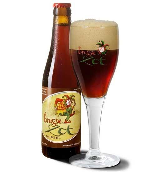 Cerveja Brugse Zot Dubbel, estilo Belgian Dubbel, produzida por Halve Maan, Bélgica. 7.5% ABV de álcool.