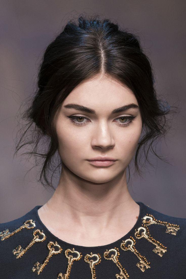 Fryzury na studniówkę - inspiracje z pokazów, Dolce & Gabbana, fot. Imaxtree