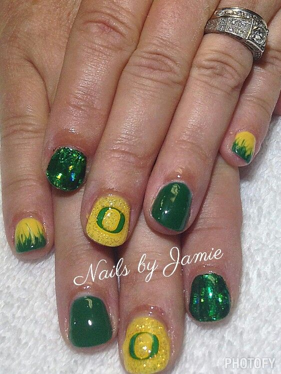 Oregon Duck Nails by Jamie Duffield Eugene, Oregon To book an appointment call (541) 556-8337 or go to www.styleseat.com/jamieduffield