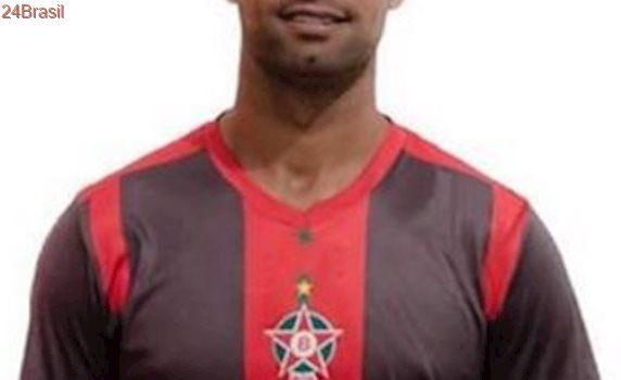 Na volta ao futebol, Goleiro Bruno faz pênalti e Boa empata com o Uberaba