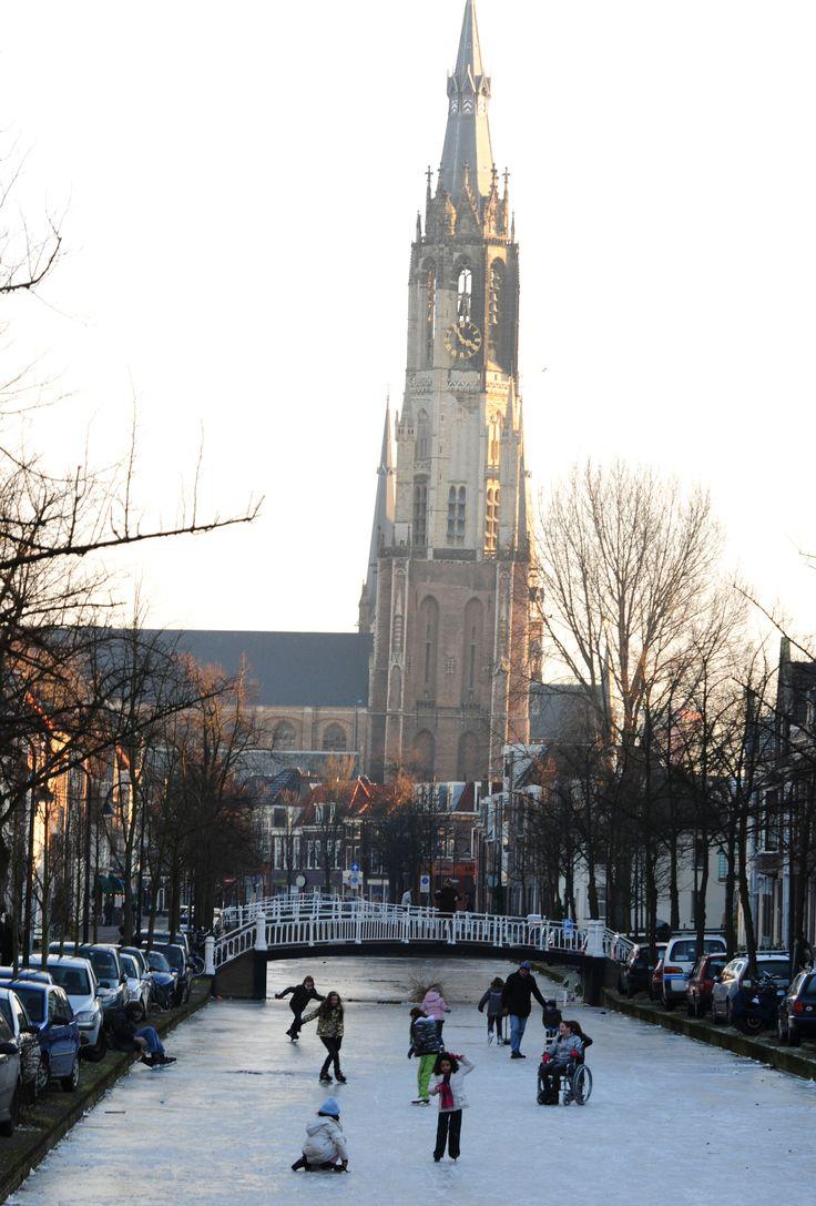 Nieuwe Kerk Delft en schaatsen op de gracht Delft