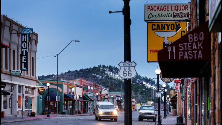 Située dans les hauteurs de l'Arizona, la petite de Williams est l'une des principales portes d'entrée sur le Grand Canyon. Son centre historique oscille entre ambiance western et années 50.