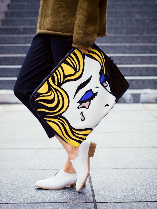 I always wanted this 31 minute bag... the Lichtenstein interpretation. LUST! (3.1 Philip Lim)