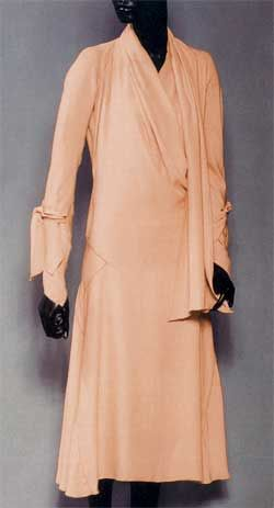 Madeleine Vionnet dress worked up. Bias for stretch combined with gussets and godets for shaping spheres create anatomical cuts that match the body's curves. Kirke's pattern for the dress is at left. (Collection of Judith Bocker Grunberg.)