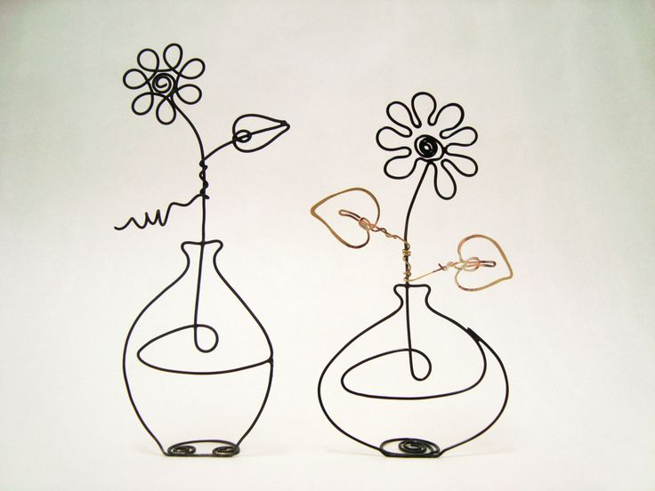 Wire Sculpting | Flower in a Vase Continuous Wire Sculpture by EleMcKay