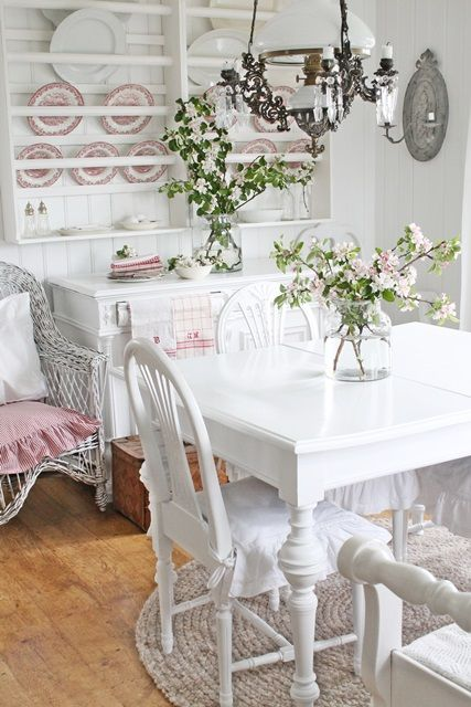 Dining Area In The Nursery Kitchen