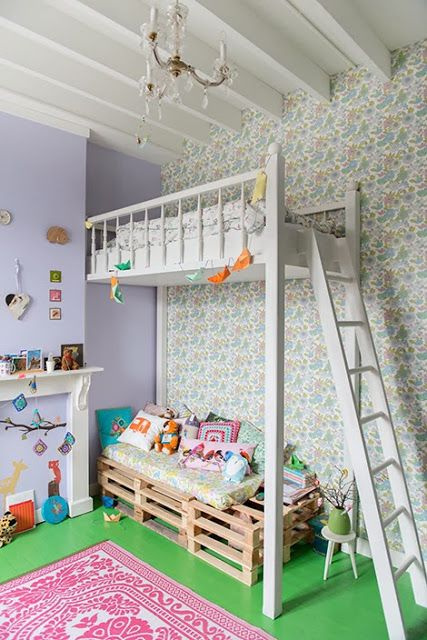 #vintage behang en #hoogslaper #kinderkamer   ebonybizart