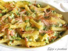 Gustosa pasta con un condimento leggero a base di verdure, un sugo mille gusti! Ingr: 250 gr: di pasta corta tipo penne 80 gr: di pro...
